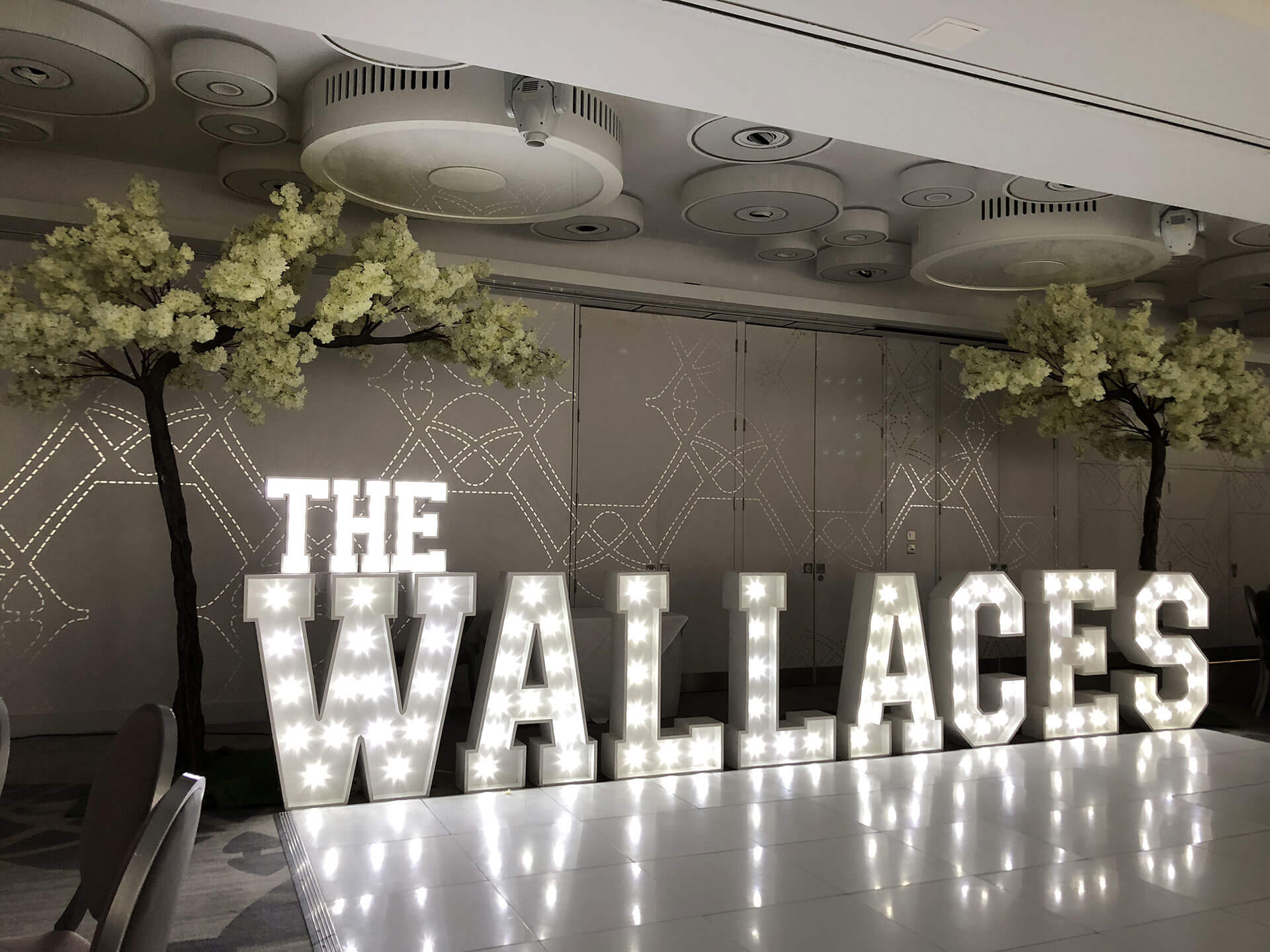 wallaces-slider